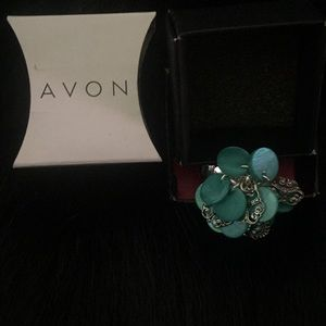 Avon 2012 Mother of Pearl Teal Disc Ring